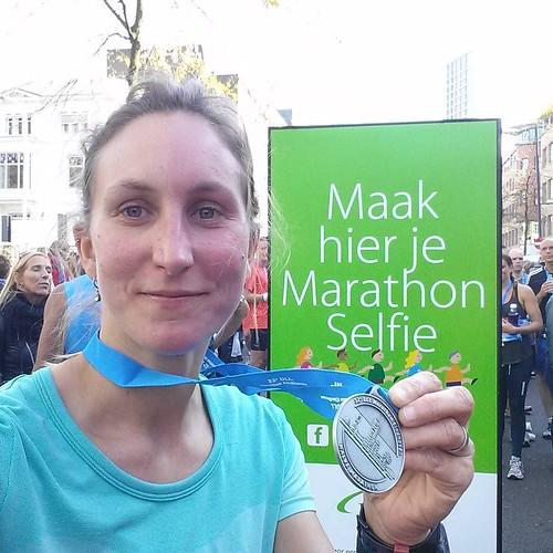 Of je halve marathon selfie ? . Aangekomen op 1u46min en een klets. Geen PR denk ik, wel content. #halvemarathoneindhoven #marathoneindhoven