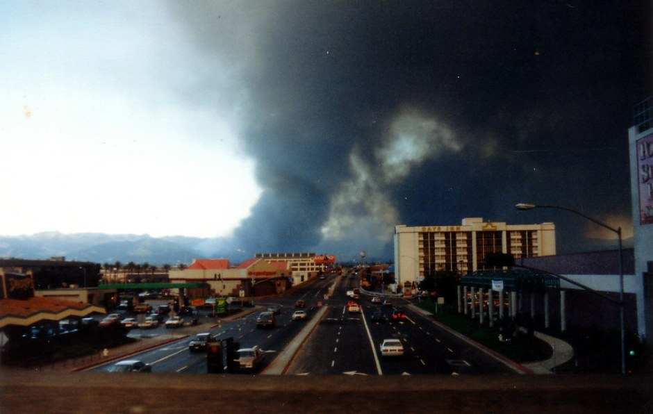 Oakland Hills fire from 80/Powell, October 1991