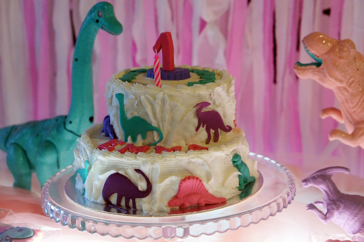 2 Homemade Parties DIY Party_Dinosaur Party_Emma11