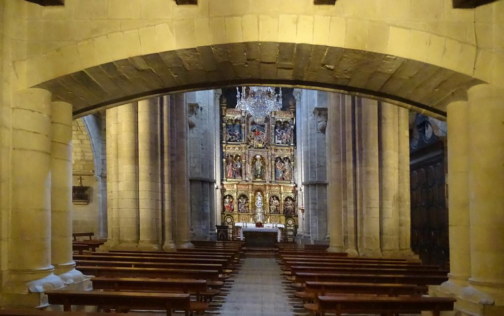 Sangüesa Interior Iglesia de Santa Maria La Real Navarra 01