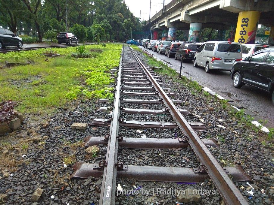 Bekas Jalur Kereta Api Kota Manggarai (Bawah) di Stasiun Gambir (1/2)