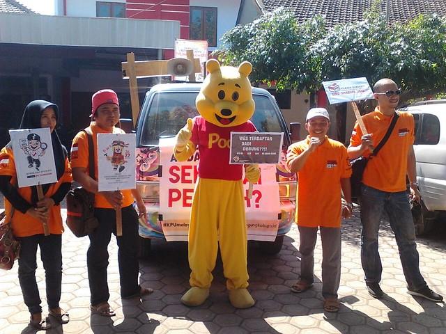 Anggota PPK Kecamatan Tulungagung saat melaksanakan sosialisasi serentak (31/3)