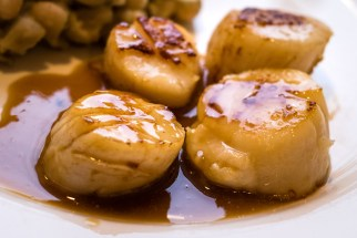 Seared scallops in amontillado sauce