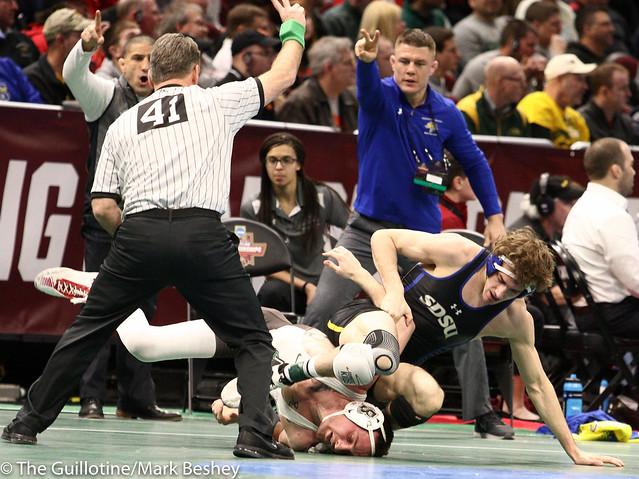 157 Champ. Round 1 - Luke Zilverberg (South Dakota State) 31-8 won by decision over Justin Staudenmayer (Brown) 22-11 (Dec 6-1) - 180315amk0124