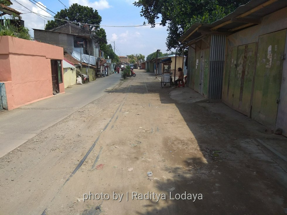 Foto Jalur Rel Mati Bandung (Kiaracondong-Karees): Halte Cibangkong Lor #2