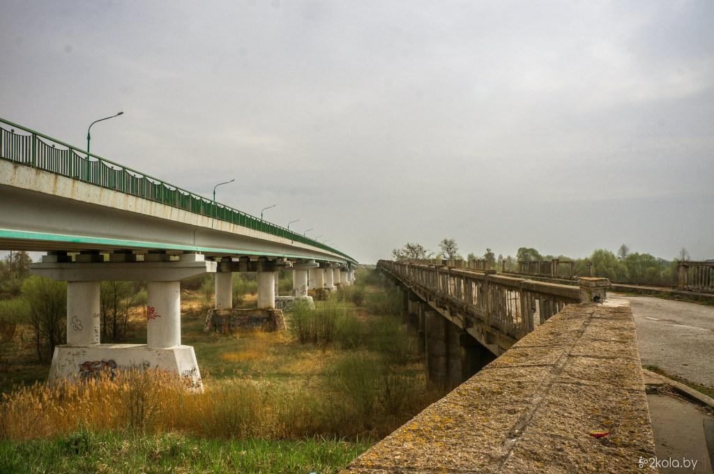 На фото новый и старый мост через Припять в р-не Пинска