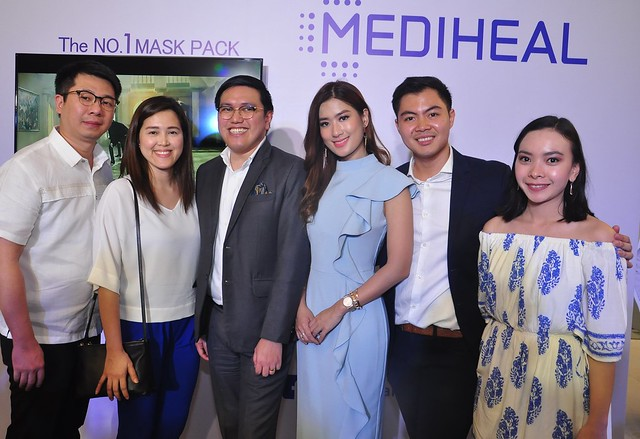 Eugene Yap, Genson Distribtions Inc Pres, Diane Yap, Genson Dist  Inc VP, Jared De Guzman Watsons Group Category Manager , Host Janeena Chan, Mark Dean Lim, Marketing Head Genson Dist Inc and Janelle De Leon Watsons Asst Category Manager