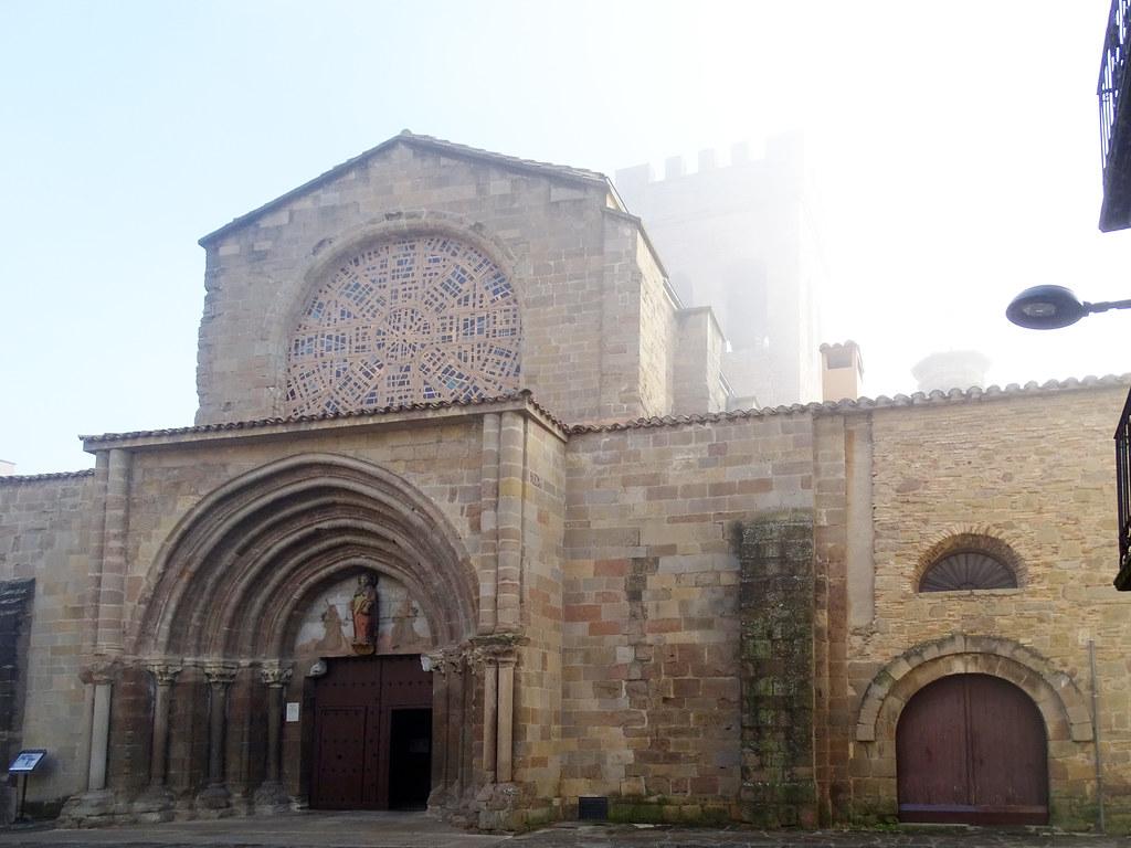 Sangüesa Exterior Iglesia de Santiago Navarra 01
