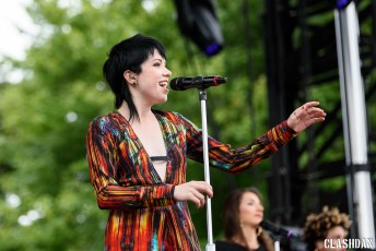 05-Carly-Rae-Jepson-02