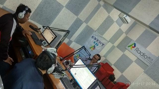 Suyitno Arman saat talk show di R-Raido (17/5)