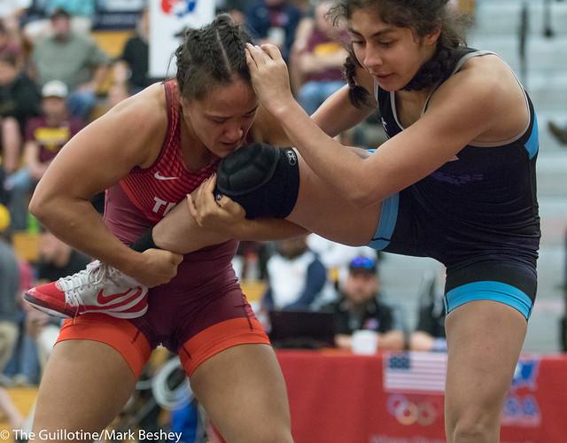 62 kg: Mallory Velte (Titan Mercury) vs. Brenda Reyna (Bearcat WC).  - 180519amk0159