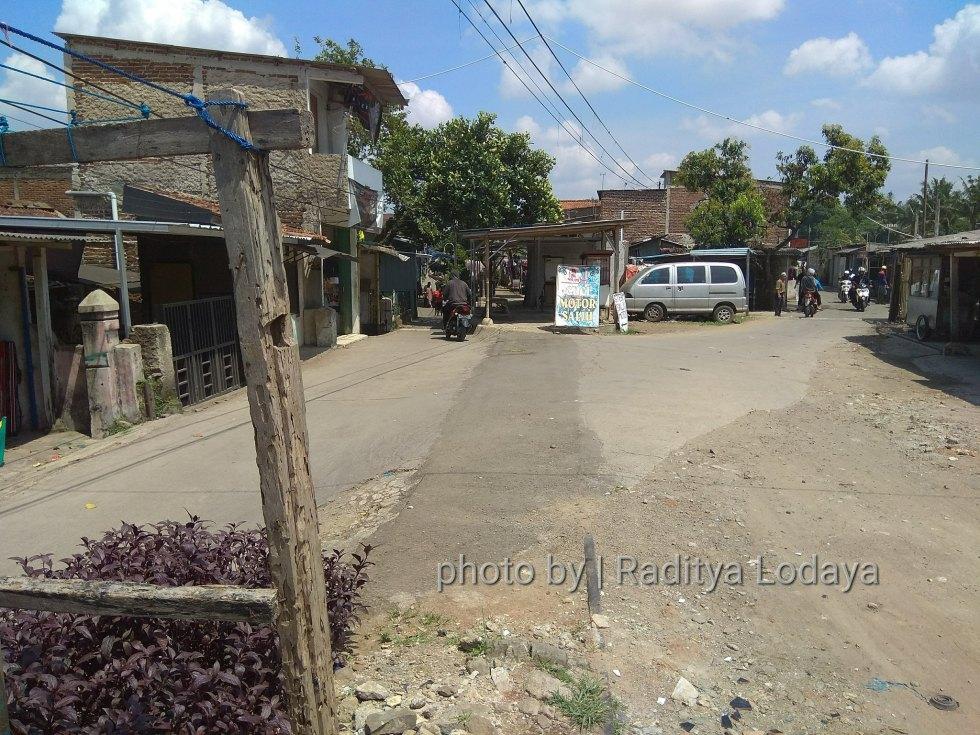 Foto Jalur Rel Mati Bandung (Kiaracondong-Karees): Halte Cibangkong Lor #3