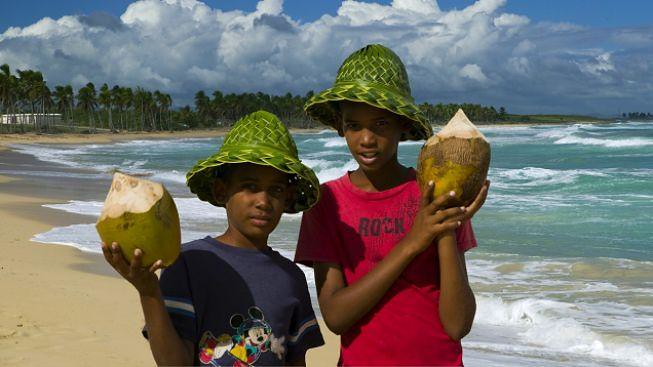 fijian_kids_island_beach