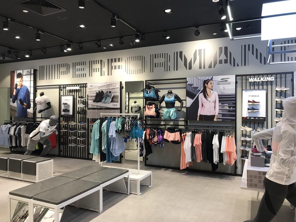 Skechers Concept Store Suntec City_Store Interior 16
