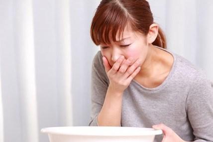Mengapa Maag Kronis Bisa Menimbulkan Gejala Muntah Darah