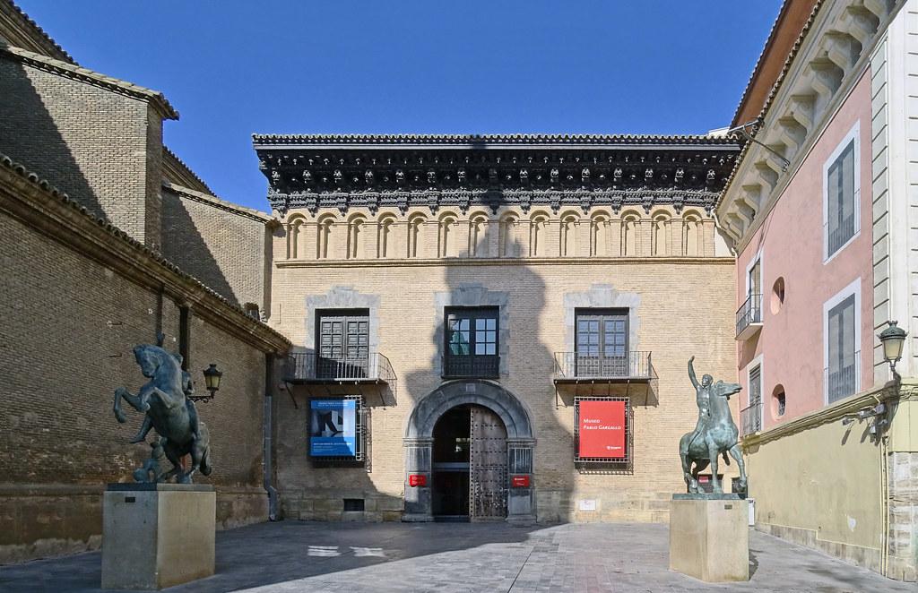 Edificio exterior Museo Pablo Gargallo Palacio de los Condes de Argillo y Casa de Francisco Sanz de Cortés Zaragoza