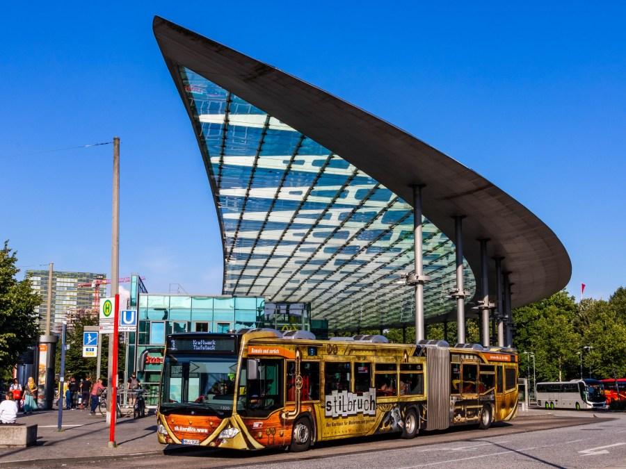 Met de bus naar Hamburg, foto door lukas.sydney | Standort Hamburg