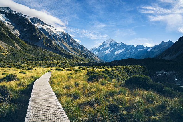 path-hooker-valley-new-zealand