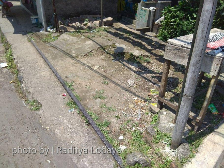 Foto Jalur Rel Mati Bandung (Kiaracondong Karees) 28 - Rel pindah posisi