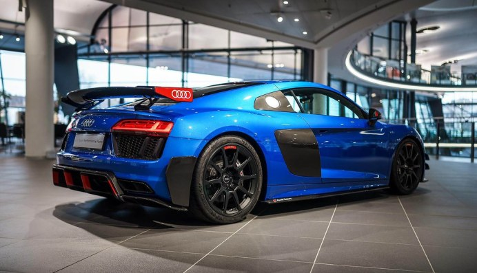 audi-r8-v10-plus-performance-parts-forum-02