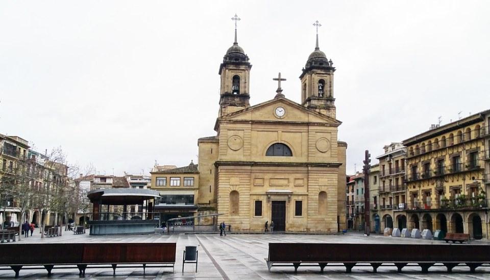 Iglesia de San Juan Bautista Plaza de los Fueros Estella Navarra 02