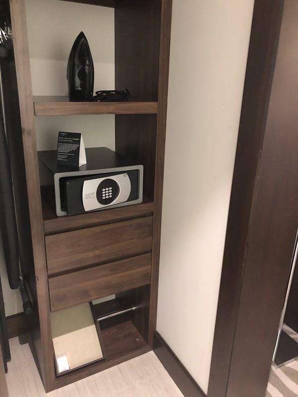 Chambre et couloirs