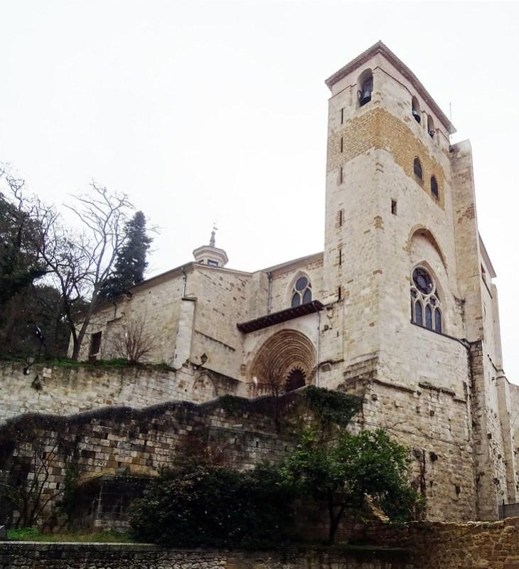 Iglesia San Pedro de la Rua exterior Estella Navarra 02