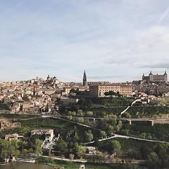 Bye bye #toledoenamora2018 #toledo #toledoturismo #toledoenamora #spain #wanderlust #travel #travelgram #vsco #vscocam #visitspain #old #city #ig_spain #guardiantravelsnaps #guardiancities #lonelyplanet #espana #toledodeleyenda #landscape #vsco #vscocam #