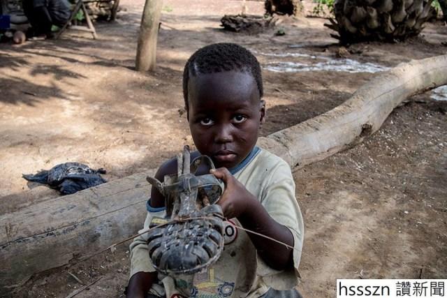 rich-poor-kids-favorite-toys-around-world-dollar-street-gapminder-foundation-9-5b03cb4f89789__880_880_587