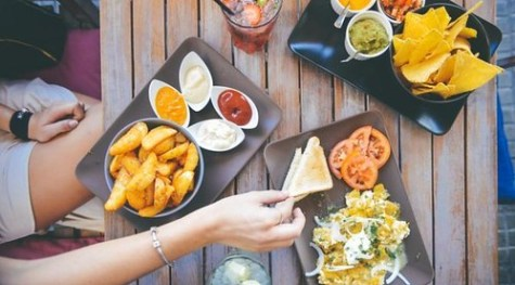 Hindari Pola Makan Seperti Ini Agar Tidak Cepat Gendut
