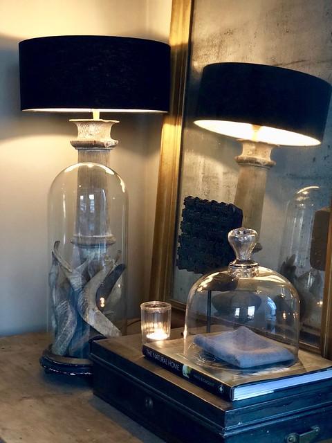 Kuifspiegel balusterlamp glazen stolp