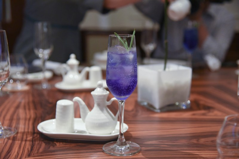 butterfly pea cocktail man fu yuan
