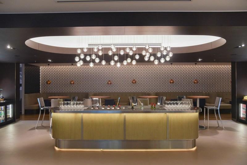 champagne bar british airways lounge singapore