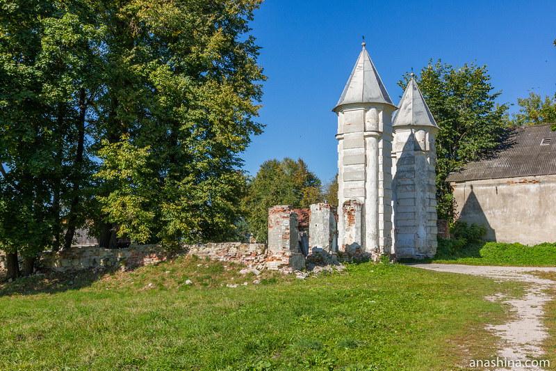 Въездные ворота в парк, Полотняный Завод