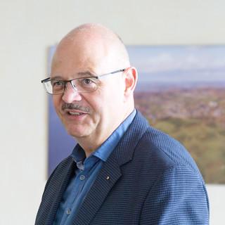 Weingutsdirektor Dr. Jürgen Dietrich