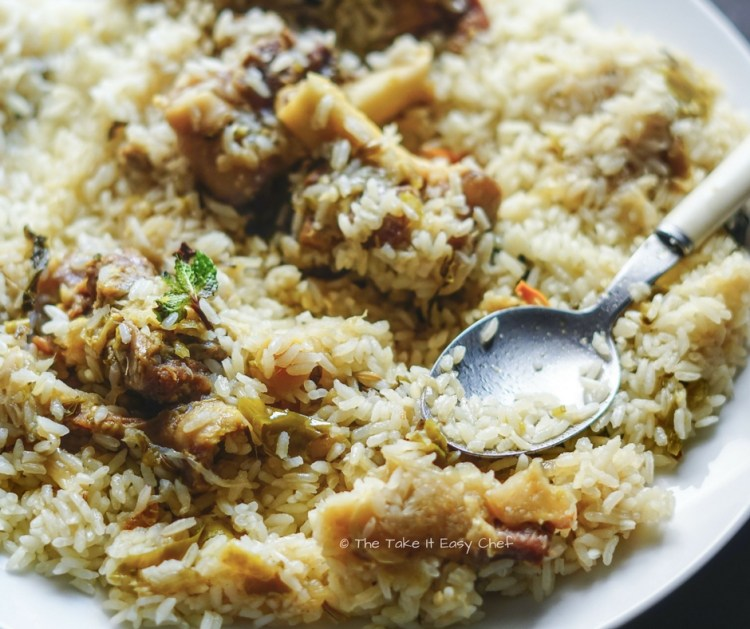 Enjoy this easy, pressure cooker mutton biryani with some raita and pickle