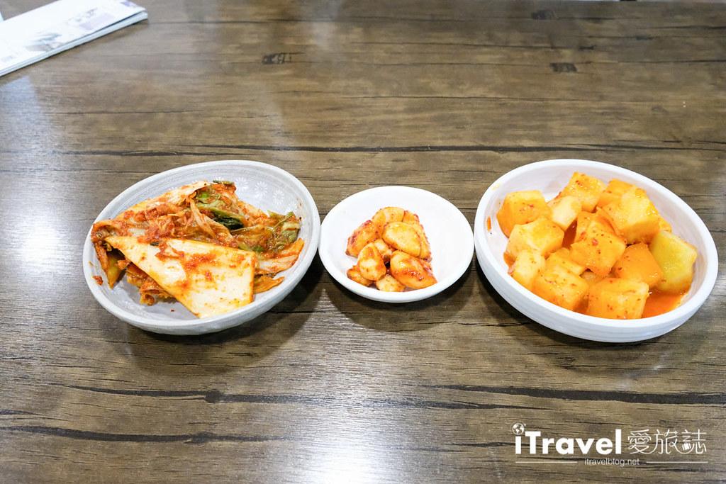 首爾美食餐廳 北村百年土種蔘雞湯 (17)