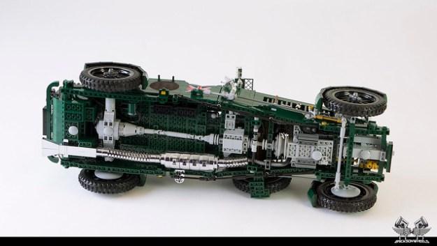1930 Bentley Blower in Lego 1:8,5 (underside)