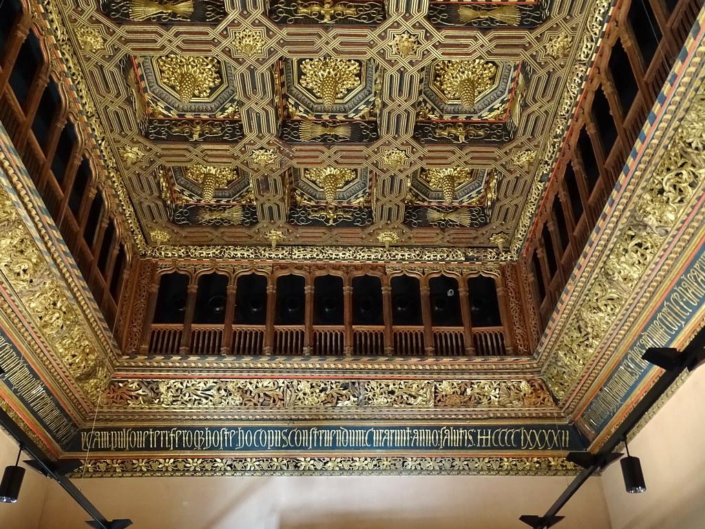 techo artesonado Salon del Trono palacio de los Reyes Catolicos Palacio Aljaferia Zaragoza 03