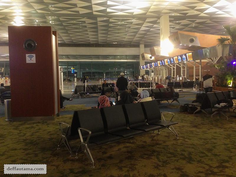 9 Hari Babymoon ke Jepang - Lounge Area Soetta