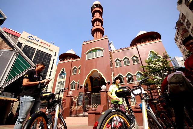 Bike with Elena - Masjid India