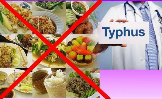 5 Makanan Yang Harus Dihindari Saat Sakit Tipes