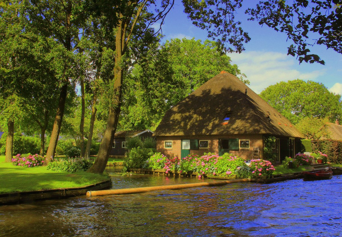 Giethoorn is a pretty Dutch village in Netherlands