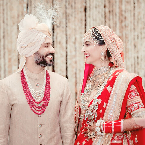 weheartbollywood: Sonam Kapoor and Anand Ahuja at their wedding…