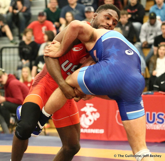 61kg: Nahshon Garrett (Sunkist Kids) vs Nico Megaludis (Nittany Lion WC). 180520AJF0042