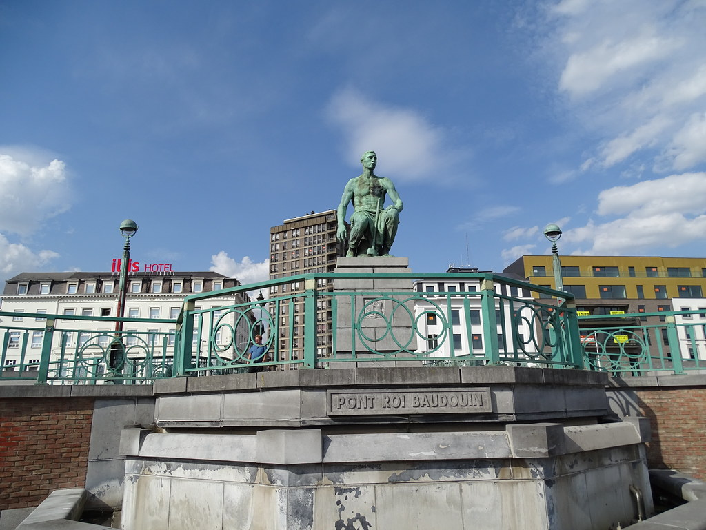 Escultura El Herrero Le Forgeron escultor Constantin Meunier Charleroi Belgica 00