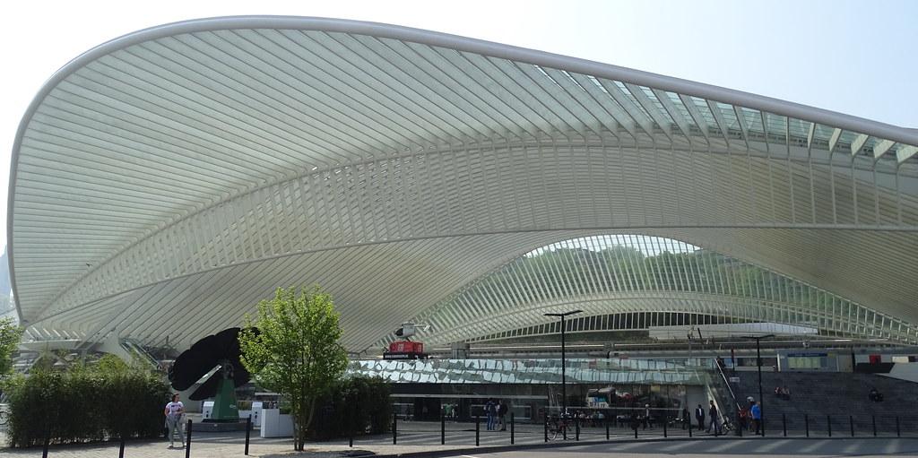 Estacion de tren Guillemins en Lieja de Santiago Calatrava Belgica 07