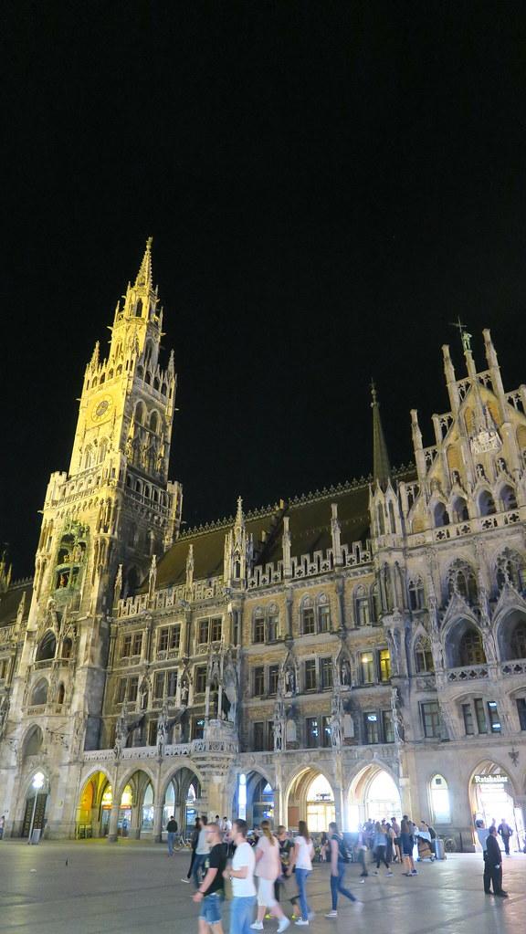 【2018德國。慕尼黑】Haxnbauer-留學生朋友帶路。來慕尼黑不可錯過的德國豬腳!-Slide阿滑-欣傳媒旅遊頻道