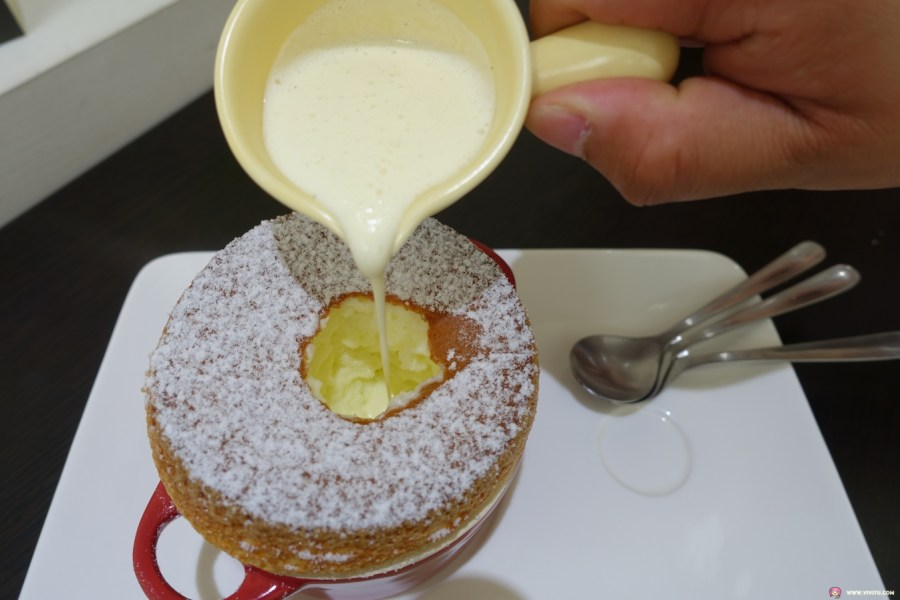 下午茶,卡布奇諾,咖啡,桃園甜點,焦糖布丁,甜點,舒芙蕾,艾米媞甜點工坊,草莓伯爵蛋糕,藍帶甜點,藍莓塔,蘋果塔,蛋糕 @VIVIYU小世界