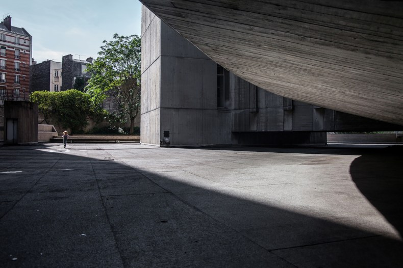 mm_French Communist Party Headquarters design by Oscar Niemeyer_15